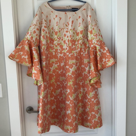 NWT bell sleeve fun spring 70s plus size dress NWT